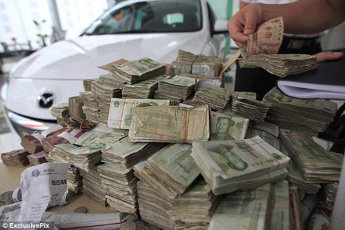 Công việc đếm tiền lẻ ở Trung Quốc